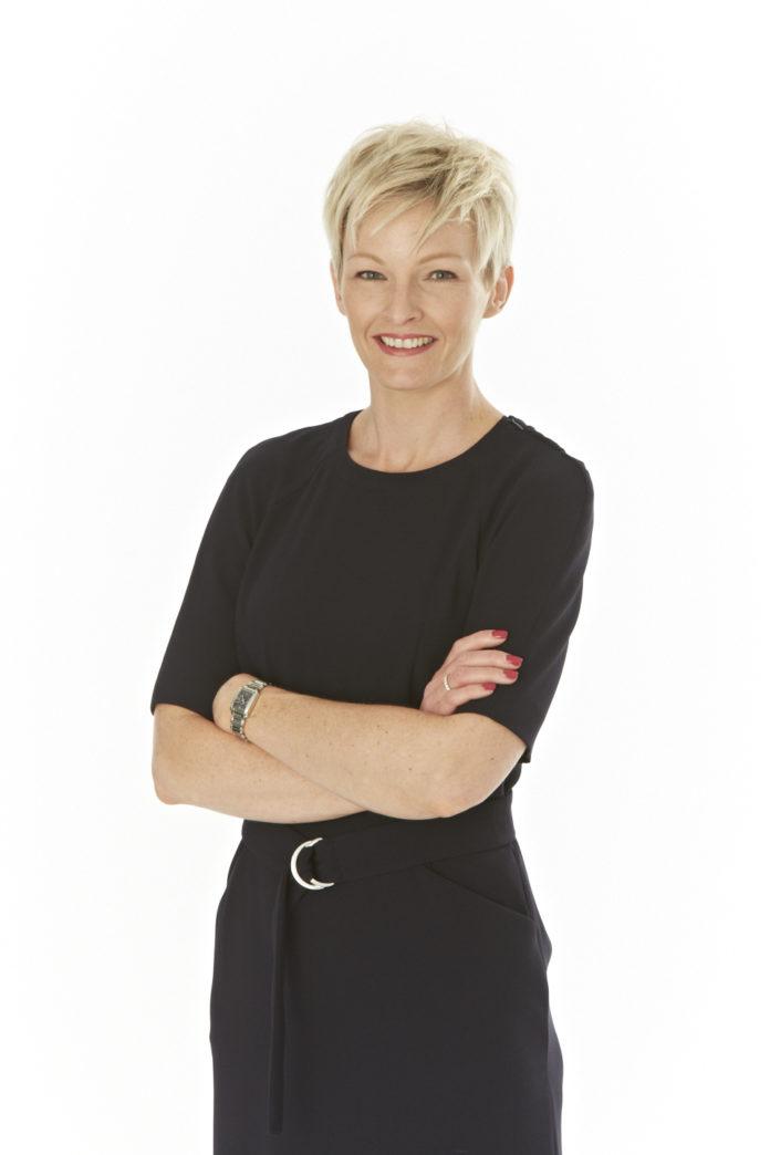 Anna Hickey como nueva presidente de Clientes Globales
